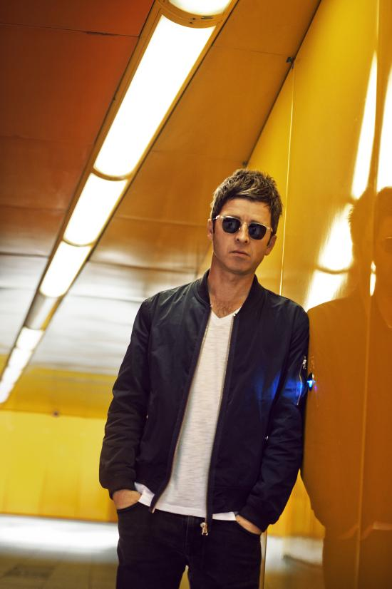 Noel_Gallagher_1_2014_credit_Lawrence_Watson